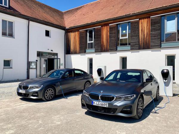 BMW 330e xDrive Touring: Lekker, ladbar og med